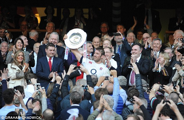 Six Nations: Robshaw holds up the Triple Crown to the applause of all the England fans at Twickenham