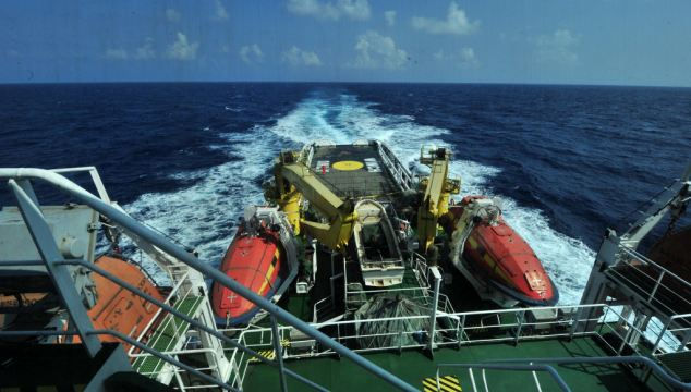 China's rescue vessels 'South China Sea Rescue 115' and 'South China Sea Rescue 101' will arrive at the possible crash site respectively on Monday night and Tuesday night to join the salvage mission for missing flight MH370