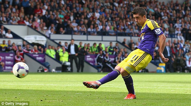 All clear: Pablo Hernandez has resumed training after picking up a knock against Crystal Palace