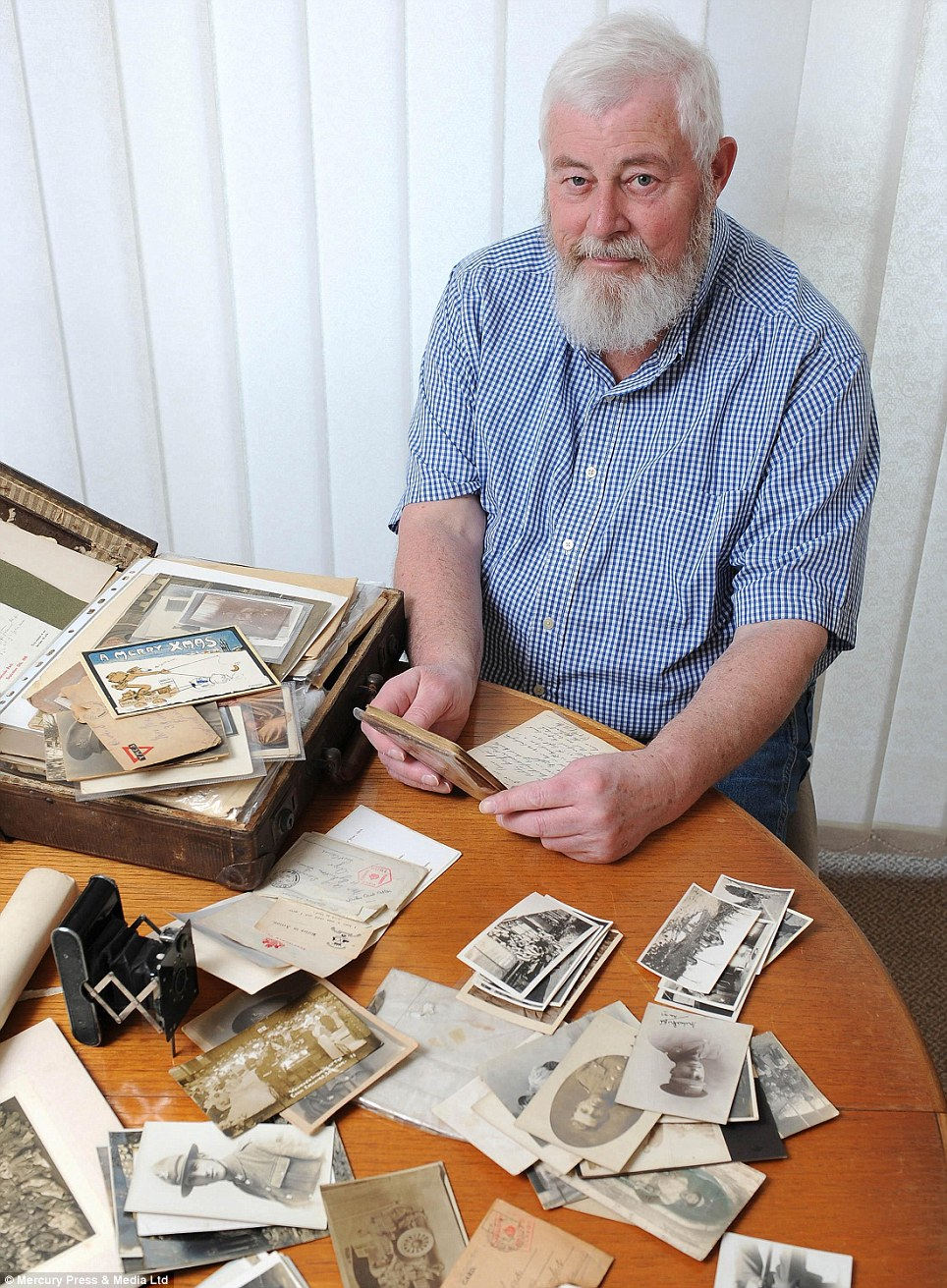 Remarkable treasure trove: Dustman Bob Smethurst spent 36 years saving World War One pictures thrown away as veterans of the conflict passed away