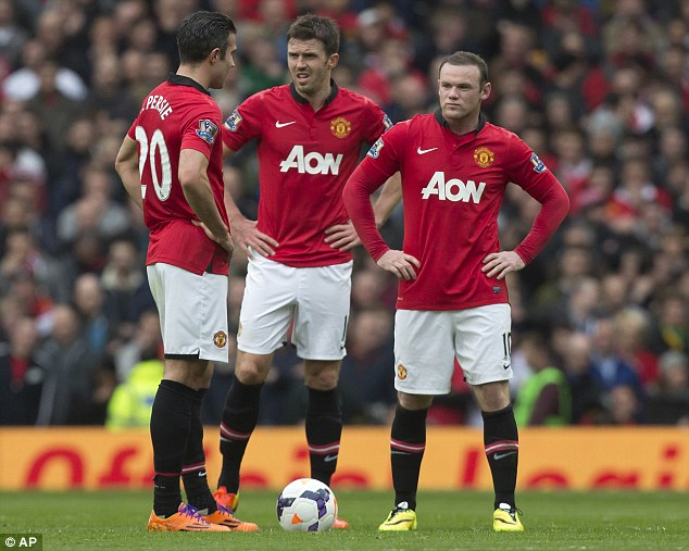 Not again: Robin van Persie, Carrick and Rooney during Liverpool's 3-0 mauling of United
