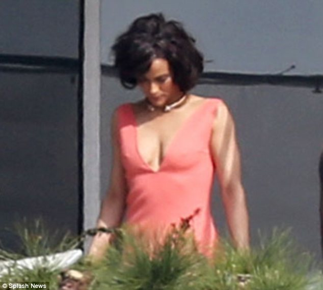 Bombshell: The 38-year-old actress was a complete bombshell in a very low-cut dress