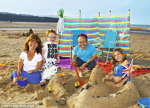 Sam and Warwick with their children Harrison and Annabelle on their new show, Weekend Escapes