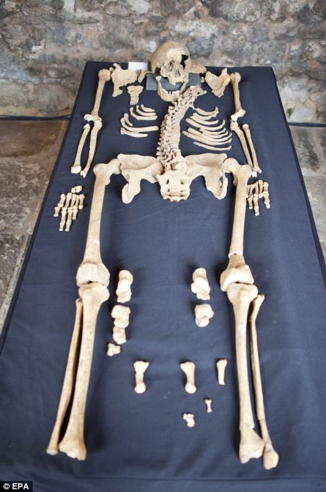 Twenty-five skeletons where discovered