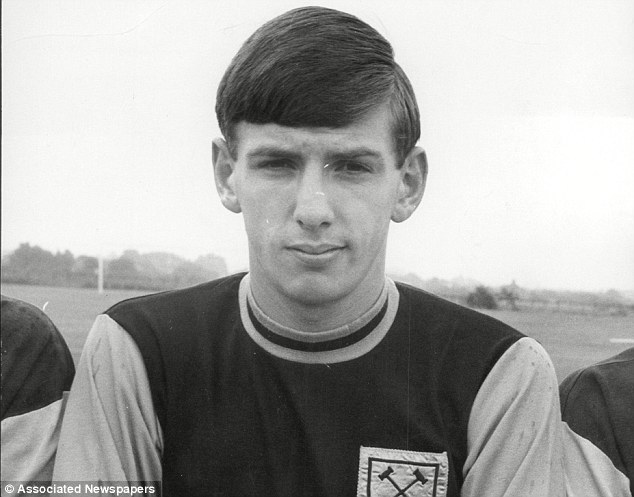 Club legend: Peters, who spent eleven seasons with West Ham, says he will always back Allardyce