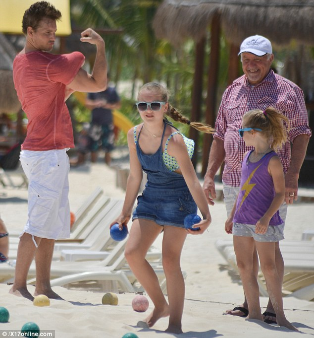 Bulging biceps: At first glance Peter Facinelli's arm development seemed impressive during a family holiday in Mexico on Monday