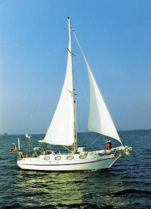 Mo sailing her yacht into the US in 1998