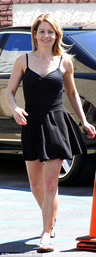 Hello there! The Full House star flashed a demure and sweet smile while arriving to her dance rehearsal