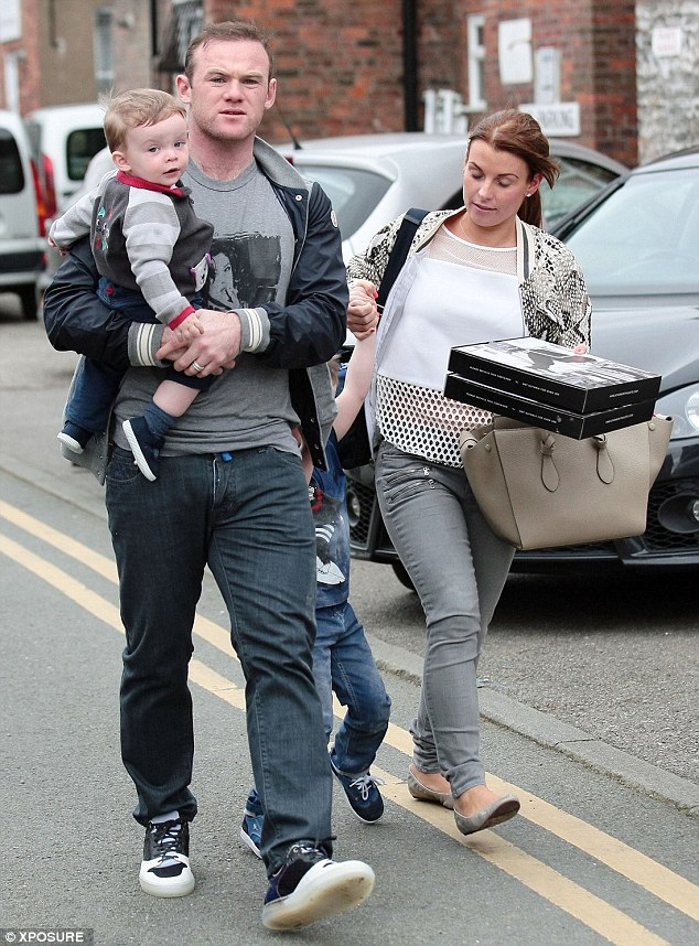 Fast food: The family appeared to have splashed out on takeaway pizza during their afternoon outing