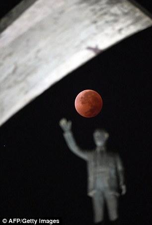 Fireball: The lunar eclipse over the Juscelino Kubitschek Memorial in Brasilia