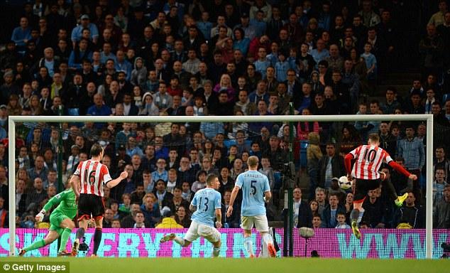 Equaliser: Connor Wickham volleys home for Sunderland to make it 1-1