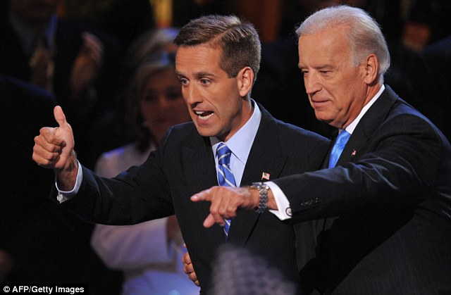 Vice presidential Joe Biden and his son Beau during the Democratic National Convention August 27, 2008 at the Pepsi Center in Denver, Colorado