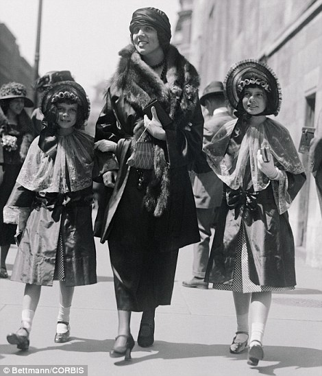 16 Apr 1922 --- Mrs. George Jay Gould walks with her children Easter Sunday on Fifth Avenue