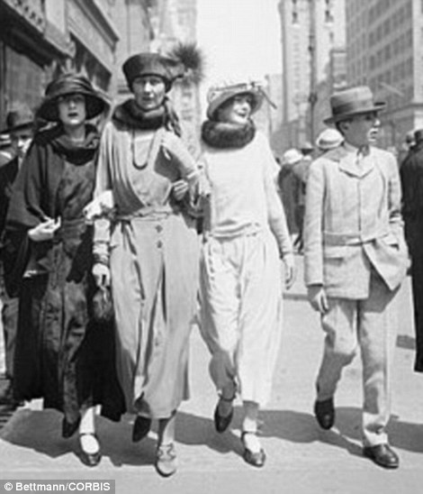 16 Apr 1922 Easter Sunday on Fifth Avenue. Mrs. C.S. Pierce with her children. Miss Barbara, Betty, and Master Edward.