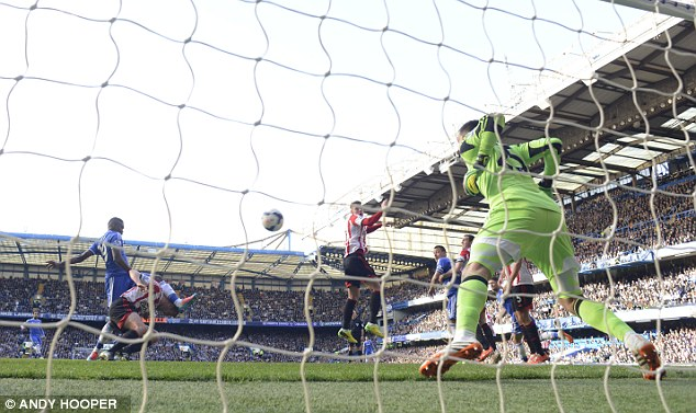 Opener: Samuel Eto'o volleys home to make it 1-0 to Chelsea after 12 minutes