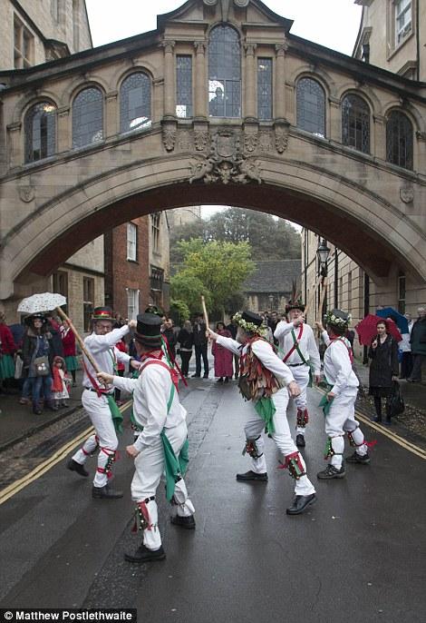 Oxford May Day Morris dancers