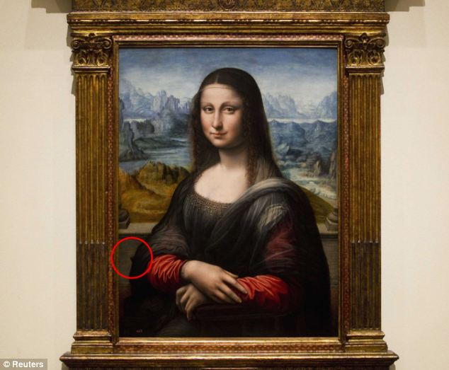 Copy: The theory relies on the 'Prado Mona Lisa' being produced by the artist himself. The difference in vantage points is reportedly 'particularly clear' if you observe 'the end of the end corner' (circled) of Mona Lisa's chair