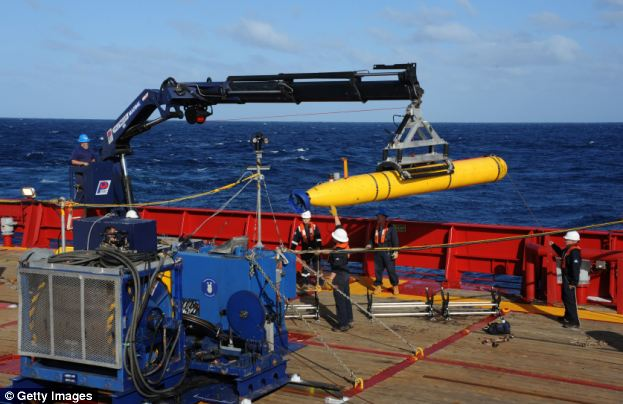 Bluefin 21 is designed for deep-sea surveying and is capable of staying submerged for 25 hours at a time without refueling