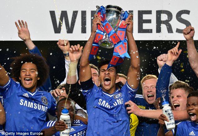 Winners: Chelsea captain Ruben Loftus-Cheek lifts the FA Youth Cup