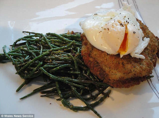 With the samphire at 21p, the fishcakes at 99p and the eggs free from a friend, this cost just £1.20 for two portions