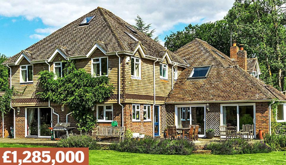 Compton, Winchester, Hampshire: A detached house with five bedrooms and views over surrounding farmland