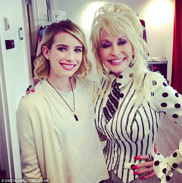Big grin! Emma Roberts grabbed a picture with the legendary Dolly Parton at The Today Concert series on Tuesday