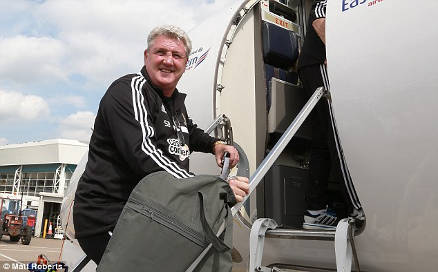 All smiles: Ex-Man United defender Bruce is looking to add more silverware to his illustrious career in the game