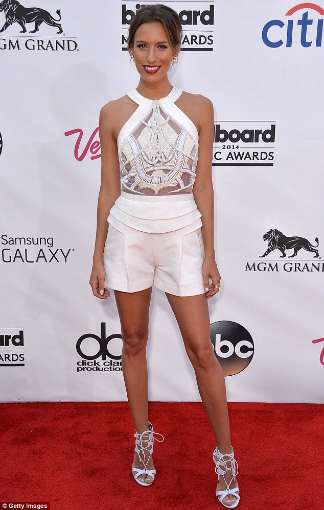 Big debut! Renee Bargh debuted a new look at the Billboard Music Awards in Las Vegas, showing off her new chocolate locks