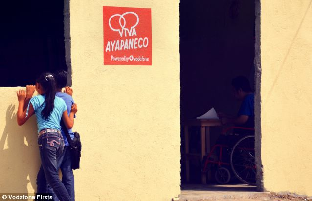 Long live Ayapaneco reads the legend on the wall of the school built to teach children to speak the near dead language