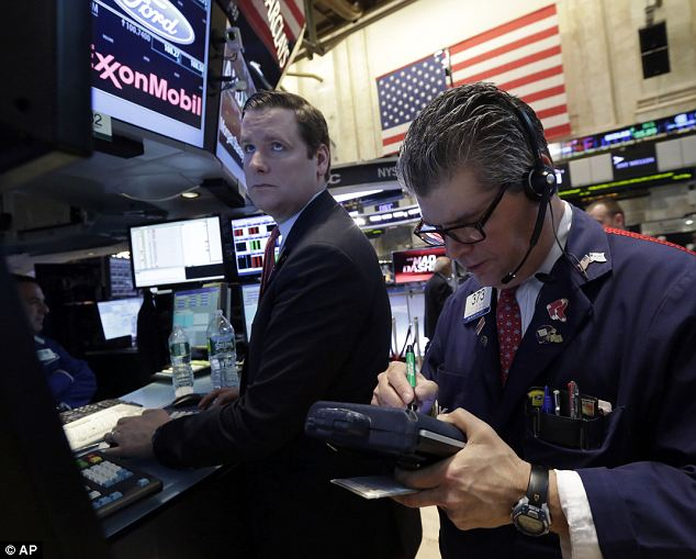 US drag: Early falls on Wall Street kept up the pressure on the Footsie in late afternoon trade.