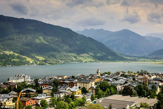Pretty town: View over the town of Zell Am See and Lake Zell in Austria
