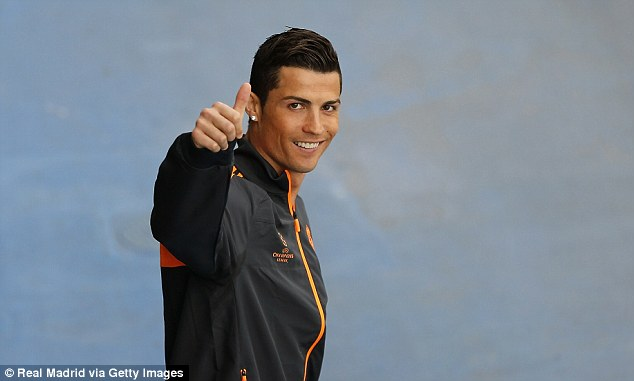 Good news: Ronaldo gives the thumbs up to the cameras