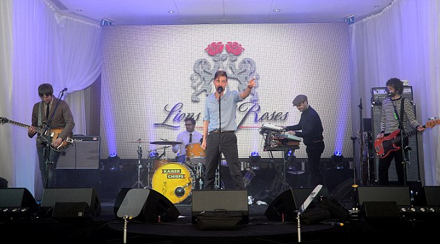 The stage is set: Kaiser Chiefs performed their single Coming Home at the gala
