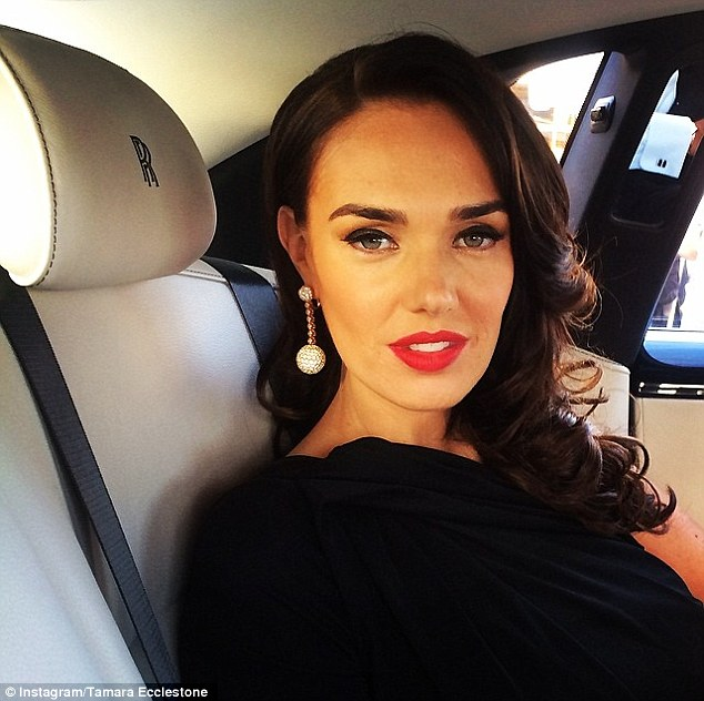 Hollywood glamour: Tamara looked stunning with a classic red lip and her  cascading brunette curls