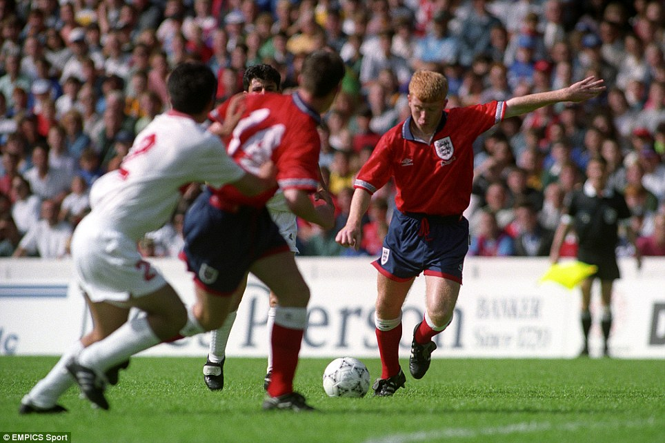 Paul Scholes lines up a shot for England's Under 18 team in 1993