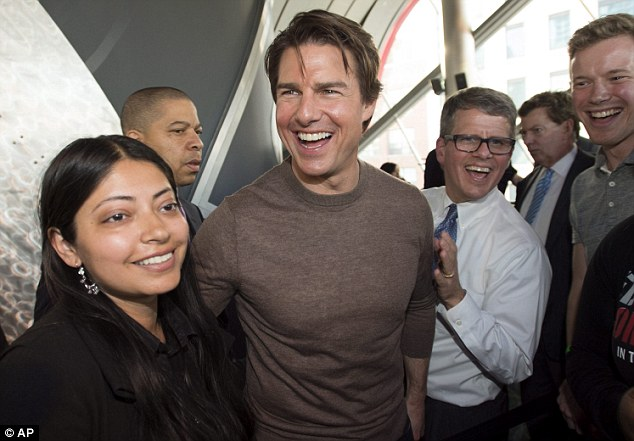 Surprise! Tom shocked fans in Toronto has paid a visit to The Edge Of Tomorrow in Canada