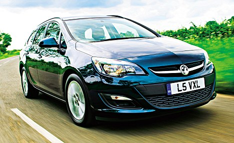 The Vauxhall Astra EcoFlex is an almost effortless car to drive, her steering is a joy, her gearbox like a knife through butter