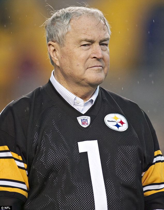 Hall of fame: Chuck Noll won a record four Super Bowl titles with the Pittsburgh Steelers. He died Friday night at his home