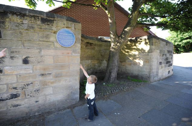 The Governor's tree pictured here is a traditional boundary between North Shields and Tynemouth in North Tyneside