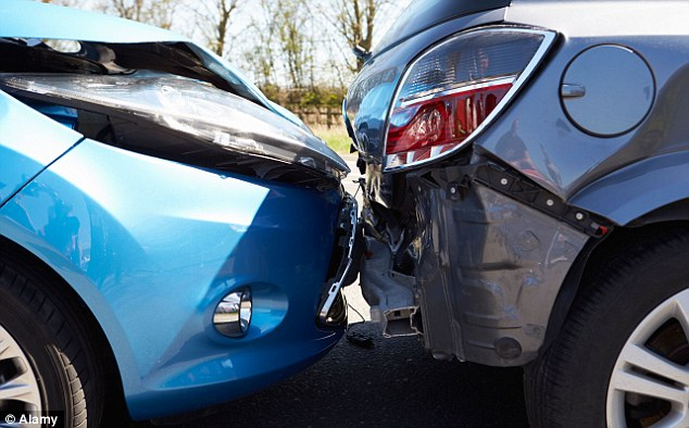 Crash-for-cash: Aviva warns drivers to stay vigilant when driving and watch out for cars with broken break lights to avoid faked accidents caused by scammers