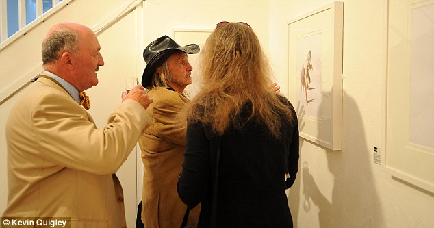 Pointing it out: More guests gather to hear some of Trevillion's secrets