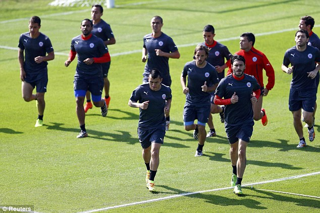 Test: Holland face a tough test when they take on Chile in their final group match at the World Cup
