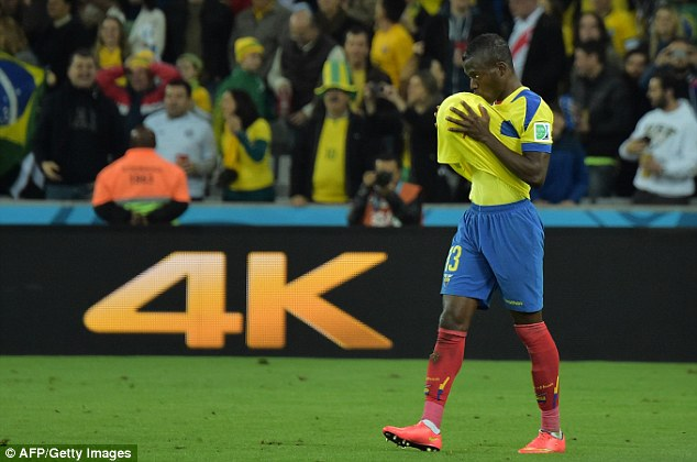 Kiss the lucky ball: Enner Valencia's unique celebration after scoring his second goal against Honduras
