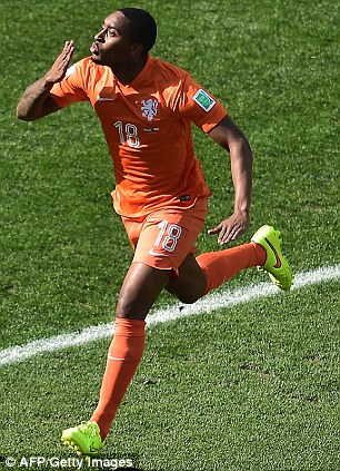 Kiss: Fer scored his first goal for the Dutch against Chile