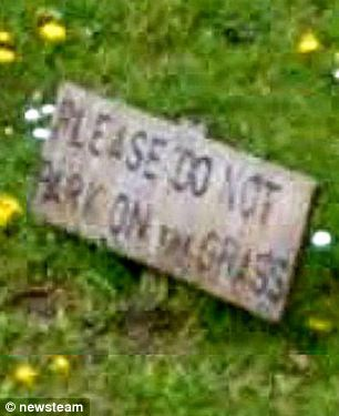 A sign on the grass verge in South Hykeham, Lincolnshire said 'Please do not park on the grass'