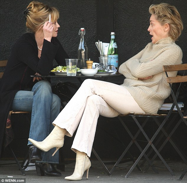 These blondes have a bond: The actresses enjoying lunch al fresco in Hollywood in 2009