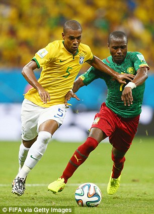 Changing: Fernandinho could come in
