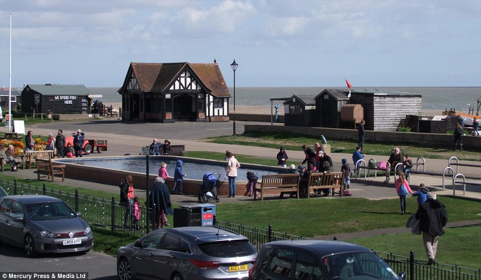 The view of shingle beach, the Moot Green and the boating pond, from the Sea Horse Cottage, which comes with a host of nautical themed items