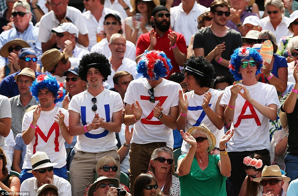 Come on Muzza!  But these Andy Murray fans were no help to him when he lost the first two sets of his match to Dimitrov