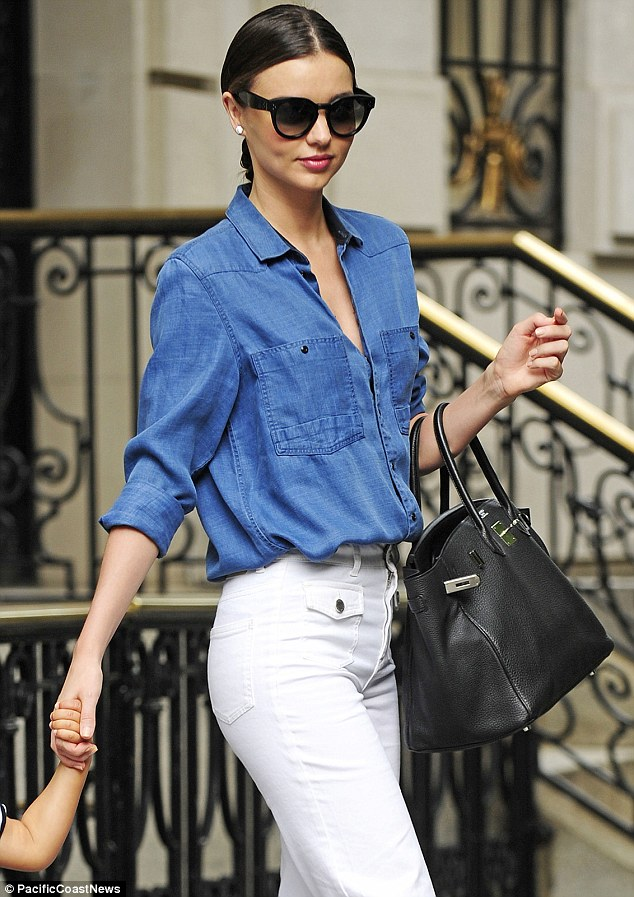 Supermodel style: The Australian stunner looked chic in the Upper East Side
